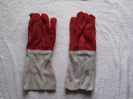 "4 x PAIRS SAFELINE WELDERS GAUNTLETS size 16"" x 6"""