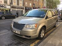 Chrysler Grand Voyager 2.8 CRD Touring Automatic / Sat Nav / Reversing Camera / Stow and Go / FSH