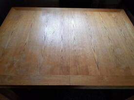 Solid wood extendable table + 6 Chairs