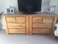 Solid oak bedroom furniture - chest of drawers and bedside tables - excellent condition