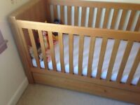 Bonito Bebe Oak Cot-bed with drawer and matching Set of 3 Drawers with baby change
