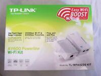 TP LINK AV600 POWERLINE WI-FI KIT - perfect condition + full kit