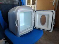 Woolworths Mini Coola Fridge cooler/warmer 12 V and mains