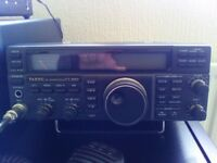 YAESU FT-840 HF TRANCEIVER 100W WITH MIC AND CAT LEAD AND SOFTWARE.
