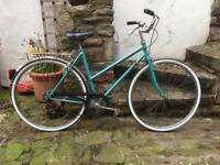 Vintage ladies bike Peugeot French city bike women's bicycle
