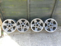 Set of 4 landrover boost alloy wheels in reasonable condition complete with wheel nuts