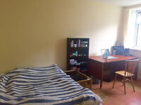 SPACIOUS DOUBLE ROOM ON GEORGE ST
