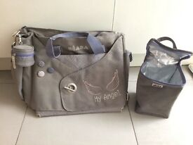 Beaba chic Los Angeles changing bag in grey/light lilac