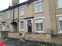 2 BEDROOMS BACK TO BACK TERRACE HOUSE FOR RENT TO LET BRADFORD - HOLLINGS ROAD WHETLEY BD8 8NU