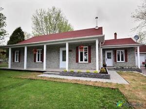 189 500$ - Bungalow à vendre à Larouche Lac-Saint-Jean Saguenay-Lac-Saint-Jean image 3