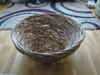 Small dog/large cat(s) basket approx 24 inches diameter