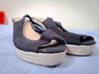 Bargain! Woman's Suede Sandals