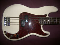 BASS USA , American Fender Precision Bass , P-Bass (2009) + Gig Bag.