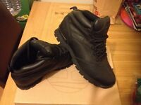 Timberlnd boots size 9 (brand new)