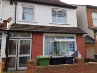 BEDSIT LOCATED IN THORNTON HEATH