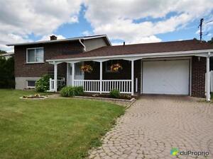 259 000$ - Maison à un étage et demi à vendre à Terrebonne