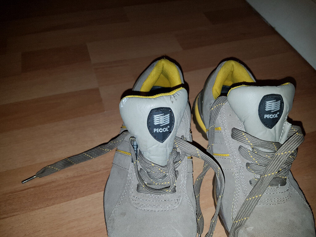SAFE SCHOES. IN GOOD CONDITION. SIZE - 7 - 7,5.