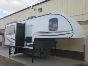 2017 Forest River Palomino Hard Side HS-2902
