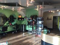 40 pnd per wk NAIL TECH space to RENT