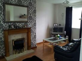2 Bedroom house in quiet cul-de-sac with front and rear garden to let