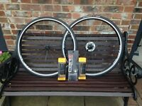 Road bike wheelset Cero Ar22 22Mm Aluminium Clincher Wheelset 20/24 only 1420g as new, with cassette
