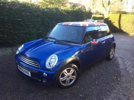 Mini with fab roof