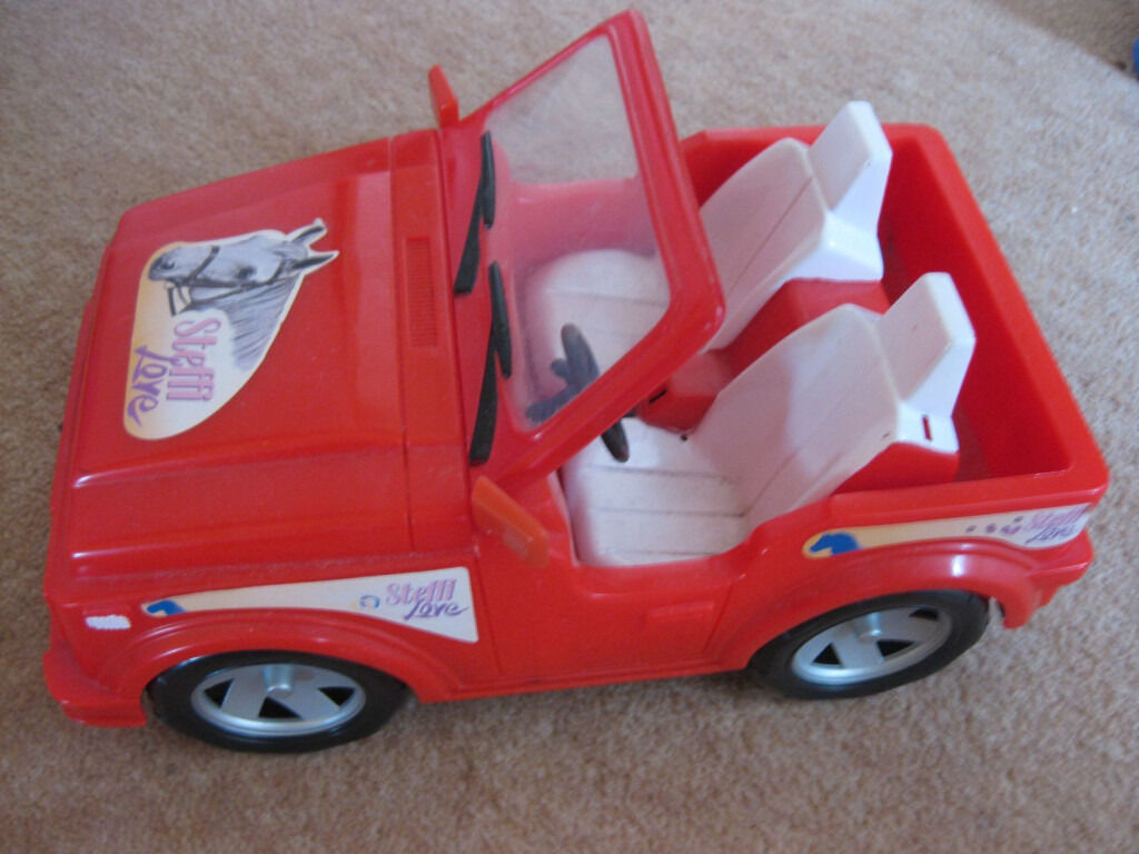 BARBIE TYPE JEEP - STEFFI LOVE - GREAT CONDITION + FREE BARBIE DOLL