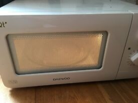 Daewood compact microwave oven one lady owner