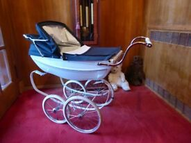 Silver Cross Pram - Immaculate - Very little use.