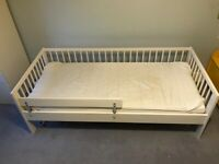 Child / Toddler bed with guard rail