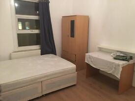 3 Bedroom flat in Stratford, London, E7 (3 Bed)