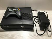 Xbox 360 with controller 4gb