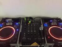 2x denon sc2900 cdjs and behringer mixer