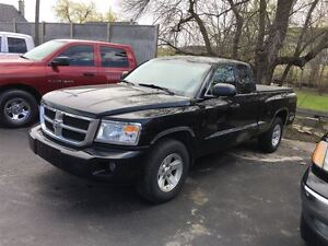 2008 Dodge Dakota SXT EXTENDED CAB SUPER TRUCK !!