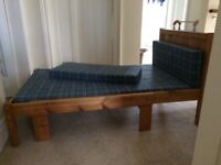 Child's extendable solid pine bed