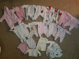 Baby girl/neutral clothes 0-1mth