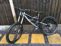 Specialized status 2 freeride downhill MTB