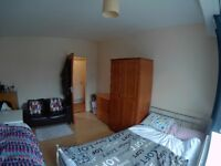 posto letto (sit bed) shared room 90pw Stepney Green zone 2