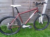 Pinnacle Jarrah 4 mountain bike RRP £700, hydraulic disc brakes, lock out forks, Trek Specialized