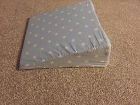 Pregnancy/maternity wedge pillow/ lumbar support. Excellent condition