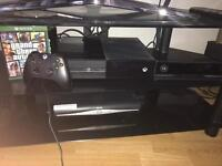 Xbox One 500gb ,With controller GTA 5 and Kinect and headset