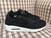 Ladies Black Nike Air Max Trainers Size 6