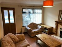 Modern city centre house with enclosed rear garden & on street parking in quiet cul-de-sac