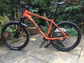 2015 Trick Whyte 905 hardtail in stunning Matt orange