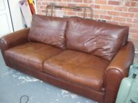 CLASSY BROWN LEATHER SOFA