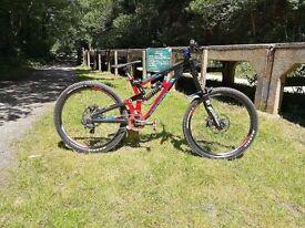 Saracen Myst pro 2015 Downhill mountain bike 650b