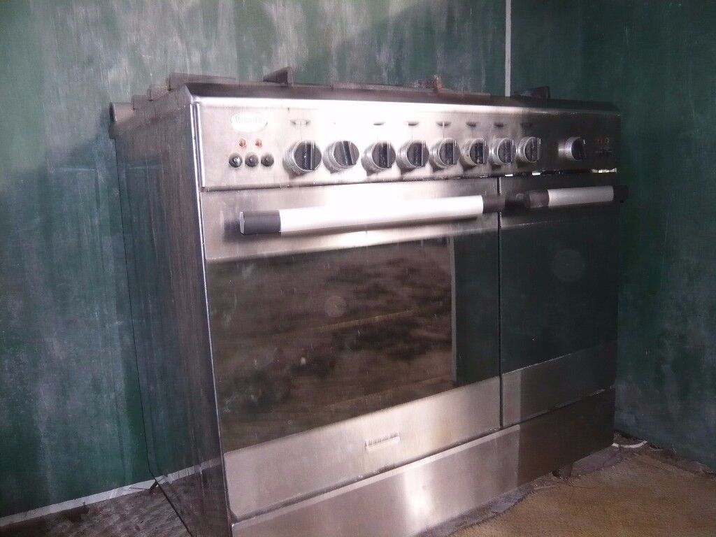 Baumatic double oven with gas hob