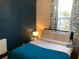 1 bedroom flat in Commerce Street, Aberdeen, AB11 (1 bed) (#1105949)