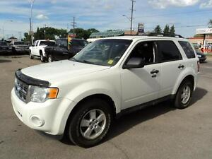 2009 Ford Escape XLT 4X4 POWER OPTIONS VERY CLEAN!!