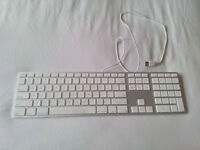Apple Keyboard with numeric keypad - Excellent Condition